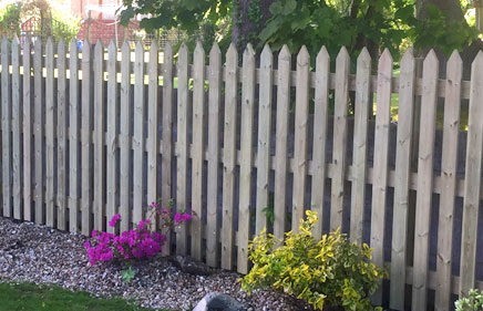 Domestic, ersidential fencing contractors in the south west